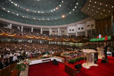 064 - fundador-da-maior-igreja-evangelica-do-m-80